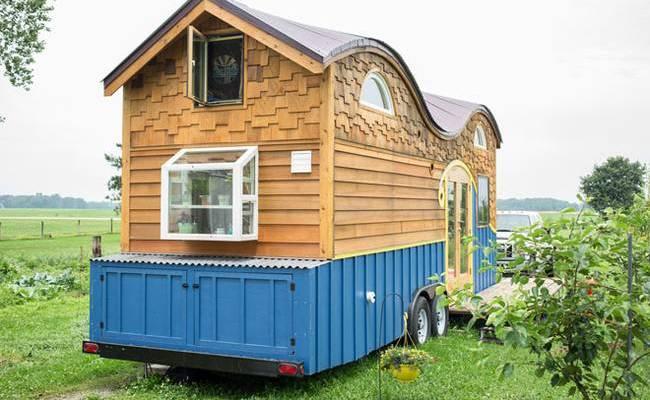 Экстерьер дома на колёсах для семьи: как сказочный домик