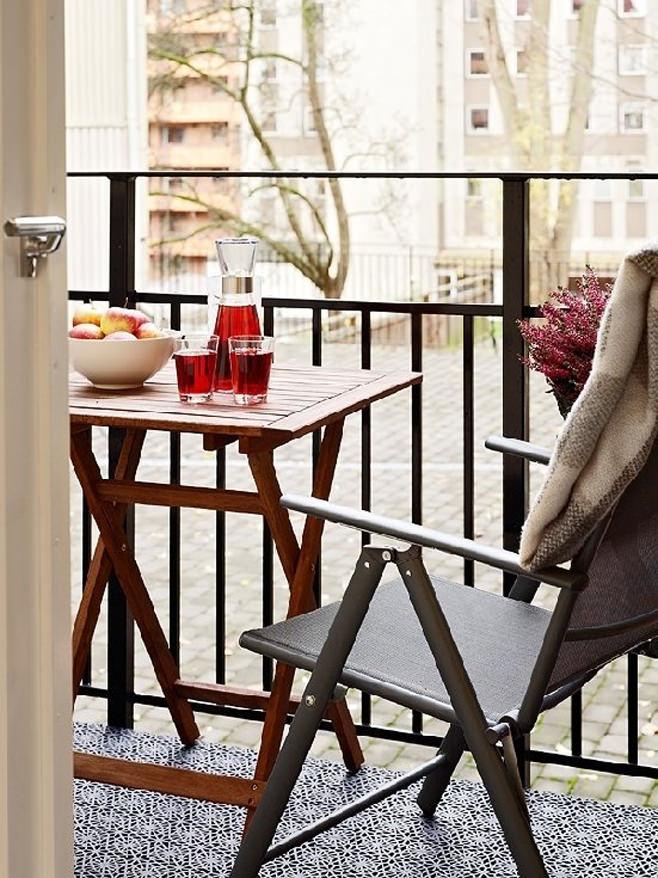 Балкон квартиры-студии в Швейцарии