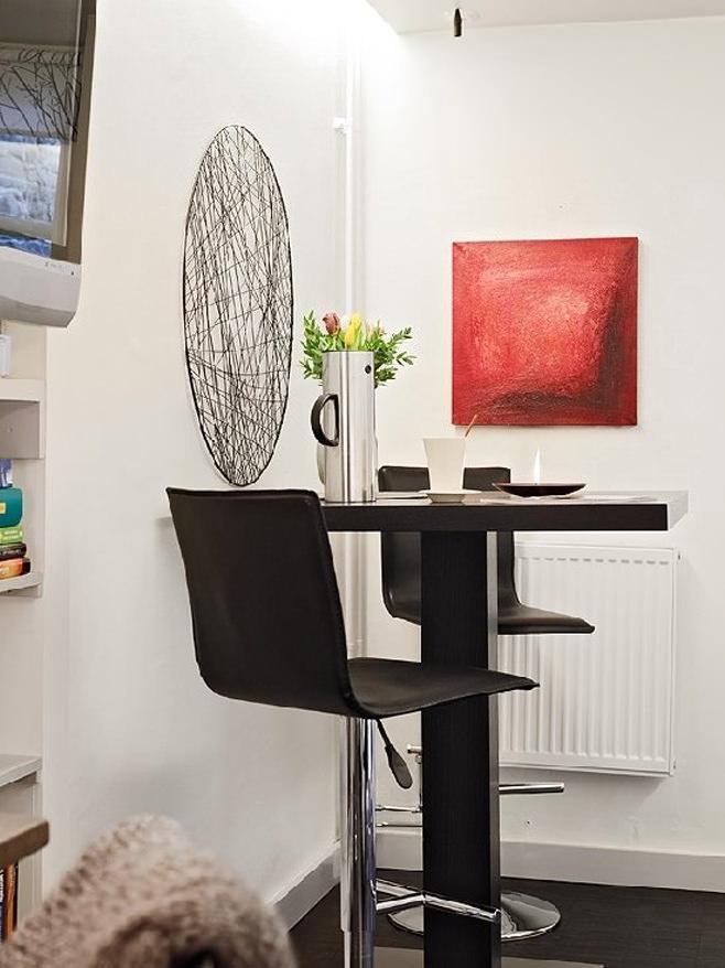 Обеденная зона в квартире-студии в Швейцарии