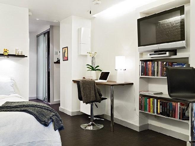 Рабочий уголок в квартире-студии в Швейцарии