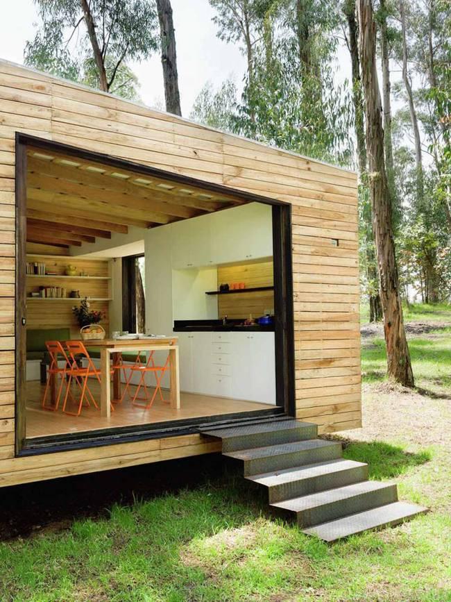 Эквадорский маленький домик в лесу: вход