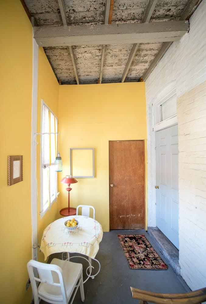 Уютный интерьер квартиры в светлых тонах - фото 7