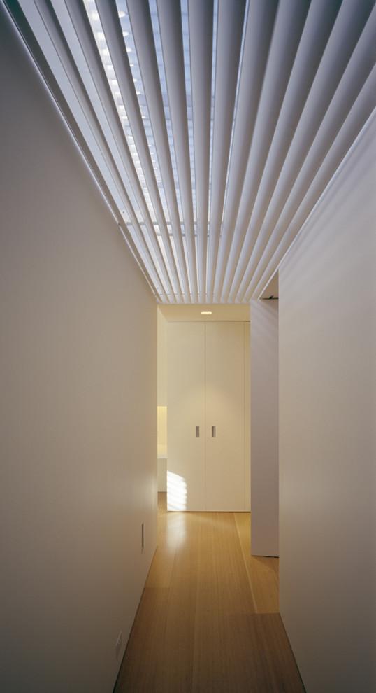 Оригинальный потолок в прихожей