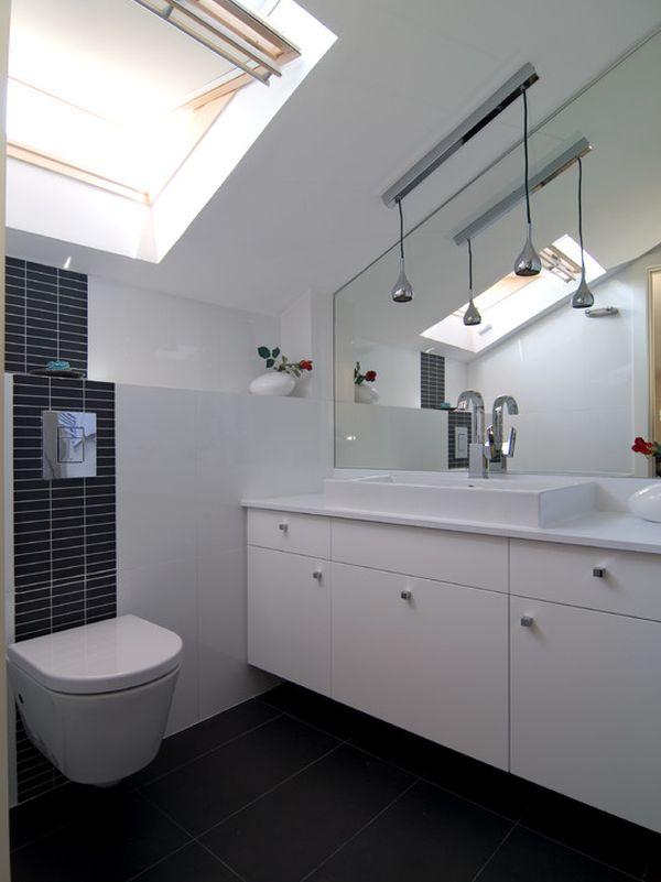Маленькая ванная в чёрно-белом цвете