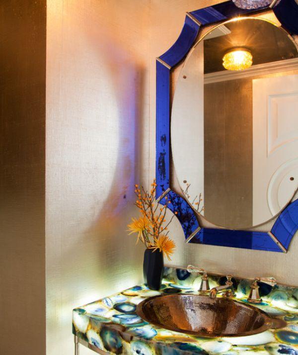 Необычная столешница в ванной