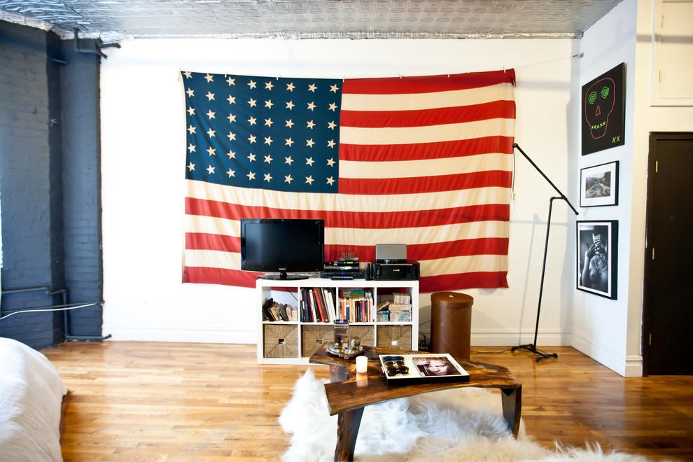 Гостиная стильной квартиры в Бруклине