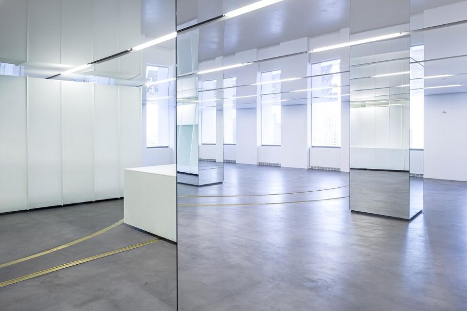 Выставочный зал Versace