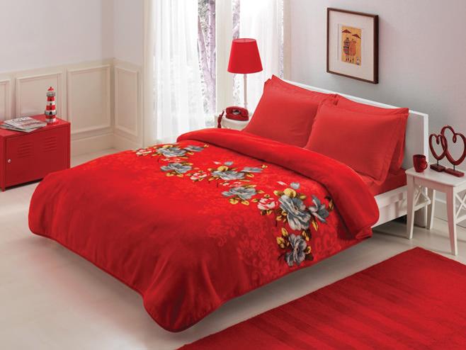 Романтическая спальня в красных тонах
