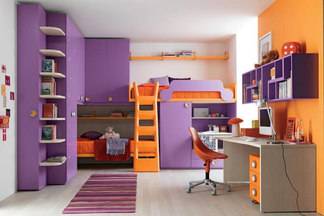 Фиолетово-оранжевый дизайн детской