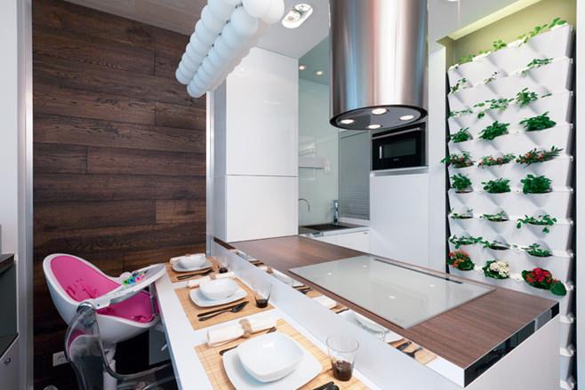 Яркие акценты в интерьере маленькой кухни