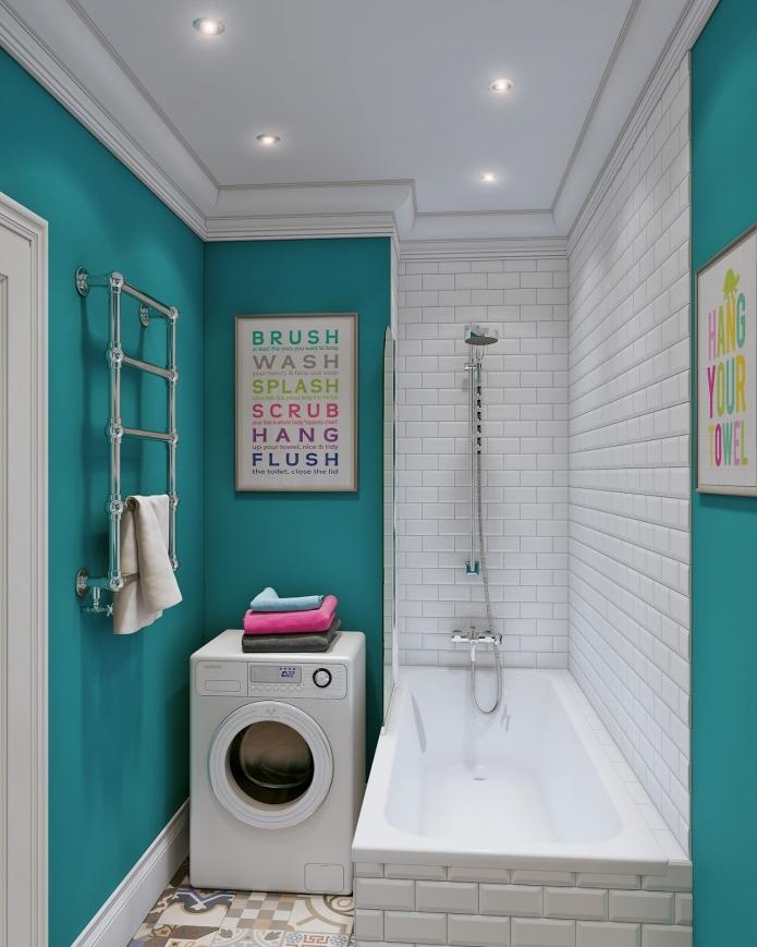 Необычная ванна в бело-бирюзовой гамме
