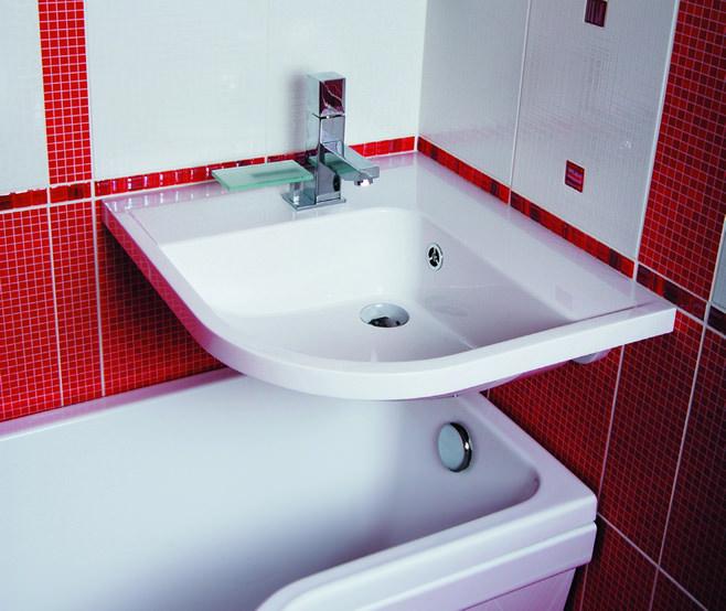 Красный цвет в оформлении ванны