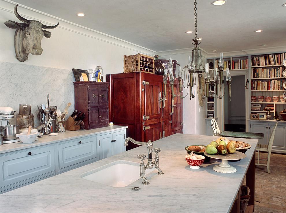 Коровья голова в интерьере кухни