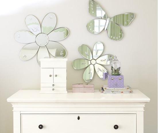 Зеркала в форме цветов и бабочки