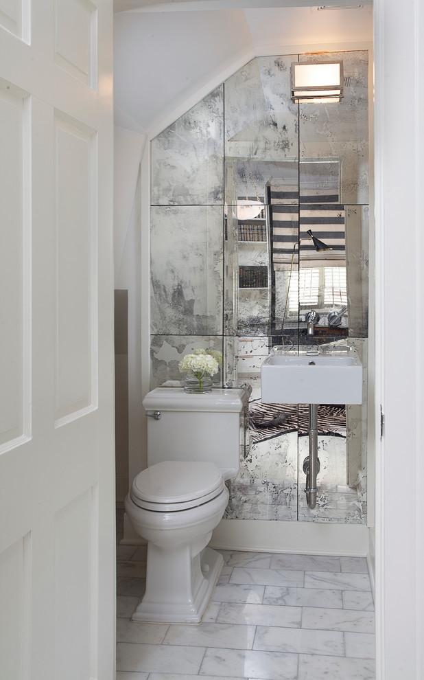Зеркало в современном интерьере ванной