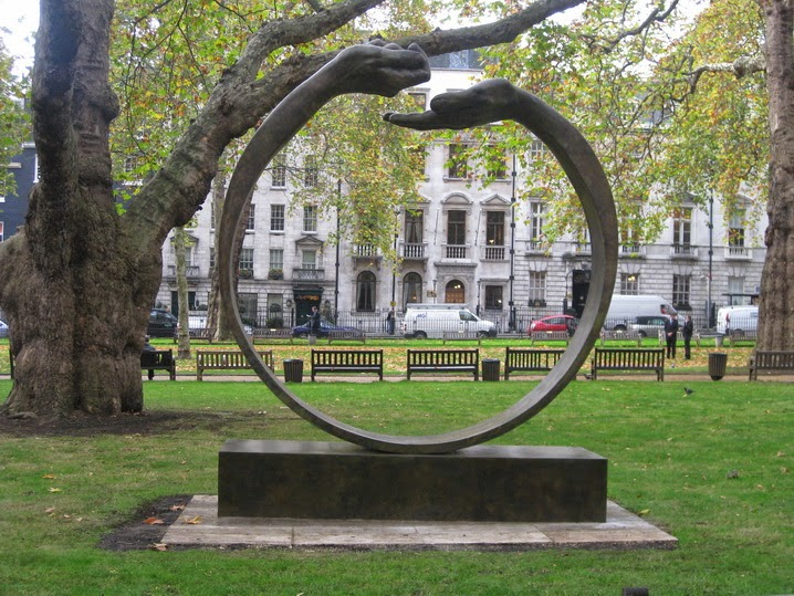 Скульптура в лондонском парке