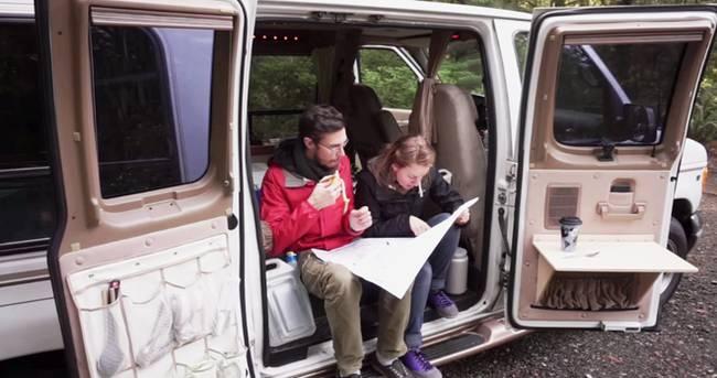 Жизнь в доме на колёсах: теперь супруги мобильны и активны