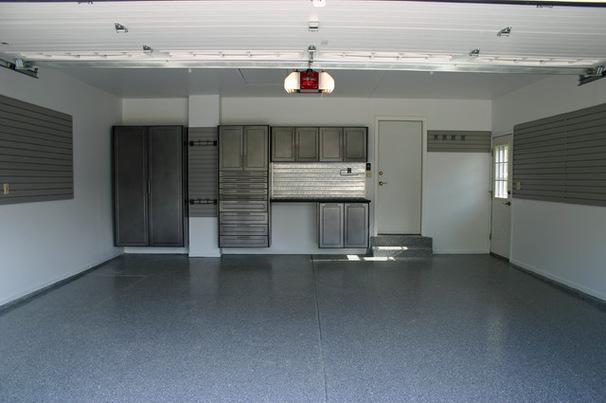 Интерьер гаража в сером цвете